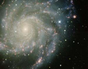 Sur cette  image de la galaxie M101 on peut voir distinctement une supernova qui a explosé en 2011 : c'est le gros point blanc en haut à droite. Crédit T.A. Rector (University of Alaska Anchorage), H. Schweiker & S. Pakzad NOAO/AURA/NSF