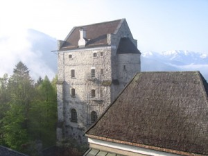 The castle in the early morning on Tuesday. Even though it is already May, there is still some snow on the mountains.