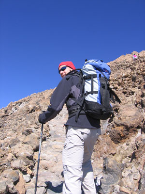 Going up to the Pico del Teide: Tropical island or not, 3700 m asl gloves and a hat are a good idea.
