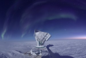 The South Pole Telescope scans the skies during a South Pole winter. Photo: Jason Gallicchio, University of Chicago