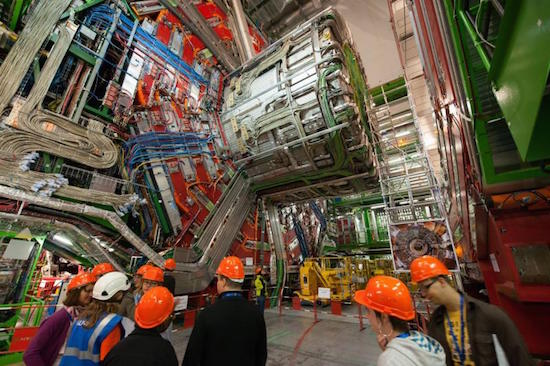 Early crowds grather to see the creation of the daily 14:00 wormhole at CMS. (CERN)